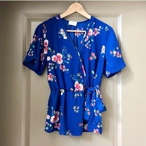 Lovely Sienna Sky Blue Floral V Neck size S